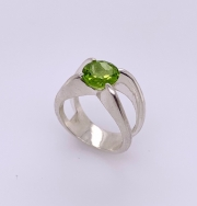 Sterling silver peridot ring